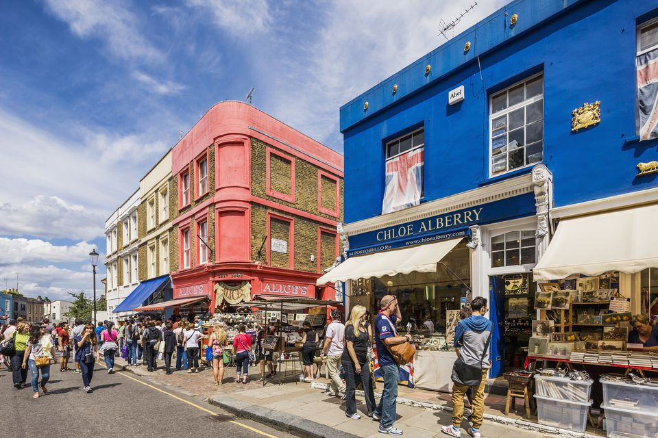 a walking tour of notting hill movie locations. Black Bedroom Furniture Sets. Home Design Ideas