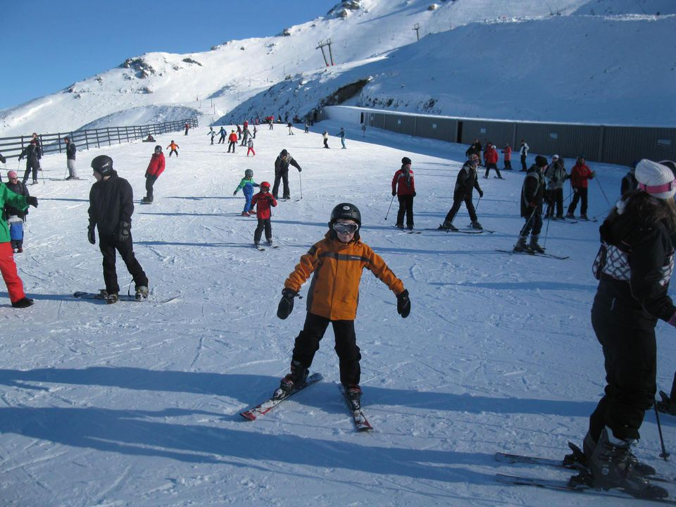 New Zealand winter skiing
