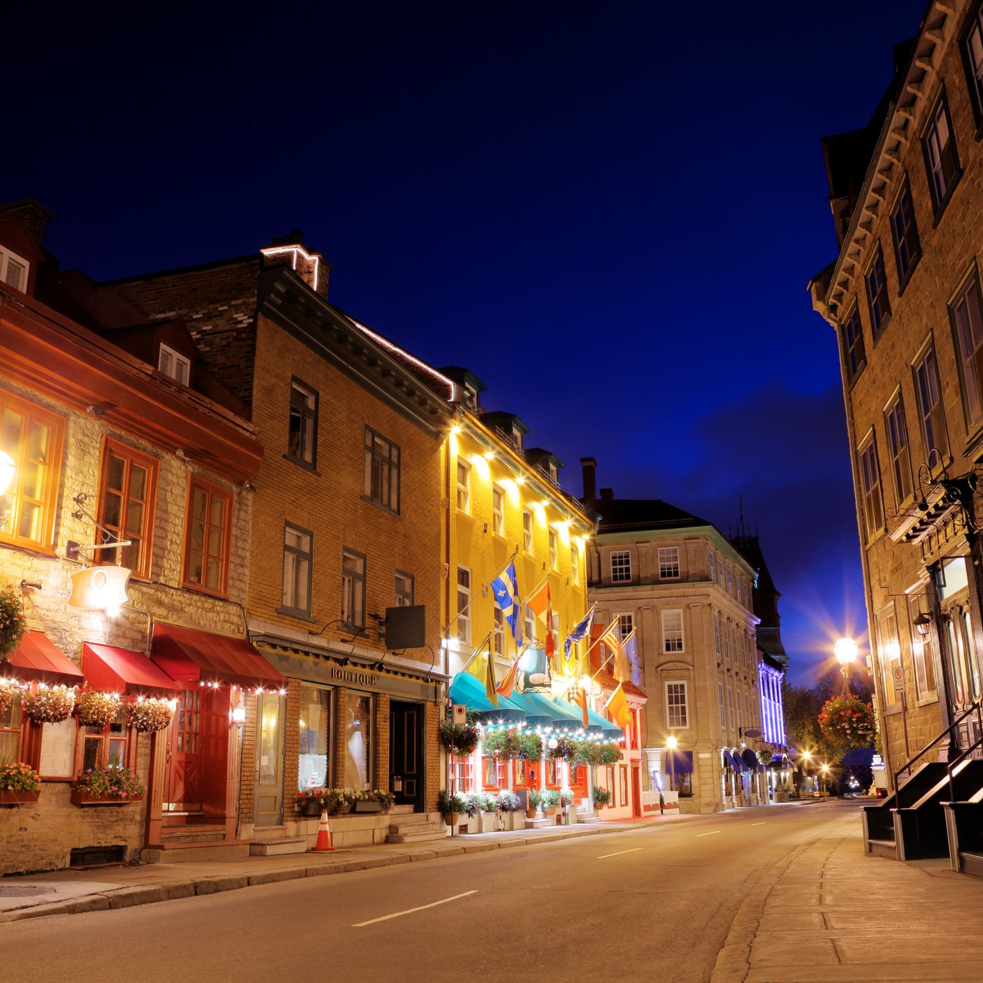 Nightlife in Quebec City: Best Bars, Clubs & More