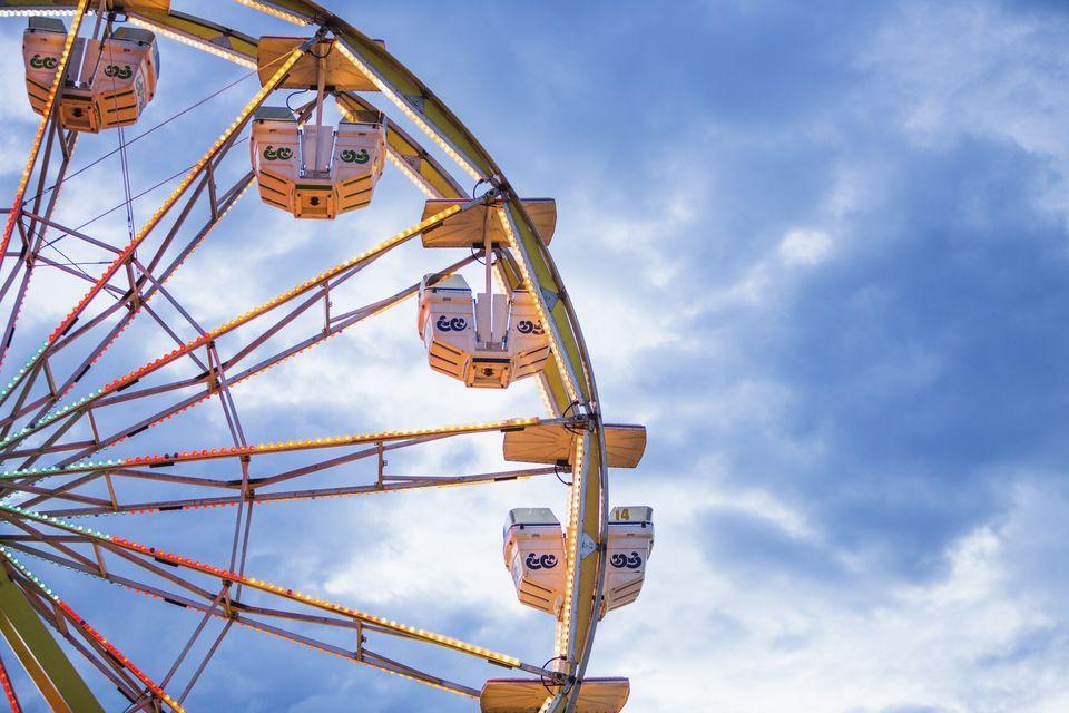 USA, Utah, Salt Lake City, Ferris wheel in amusement park
