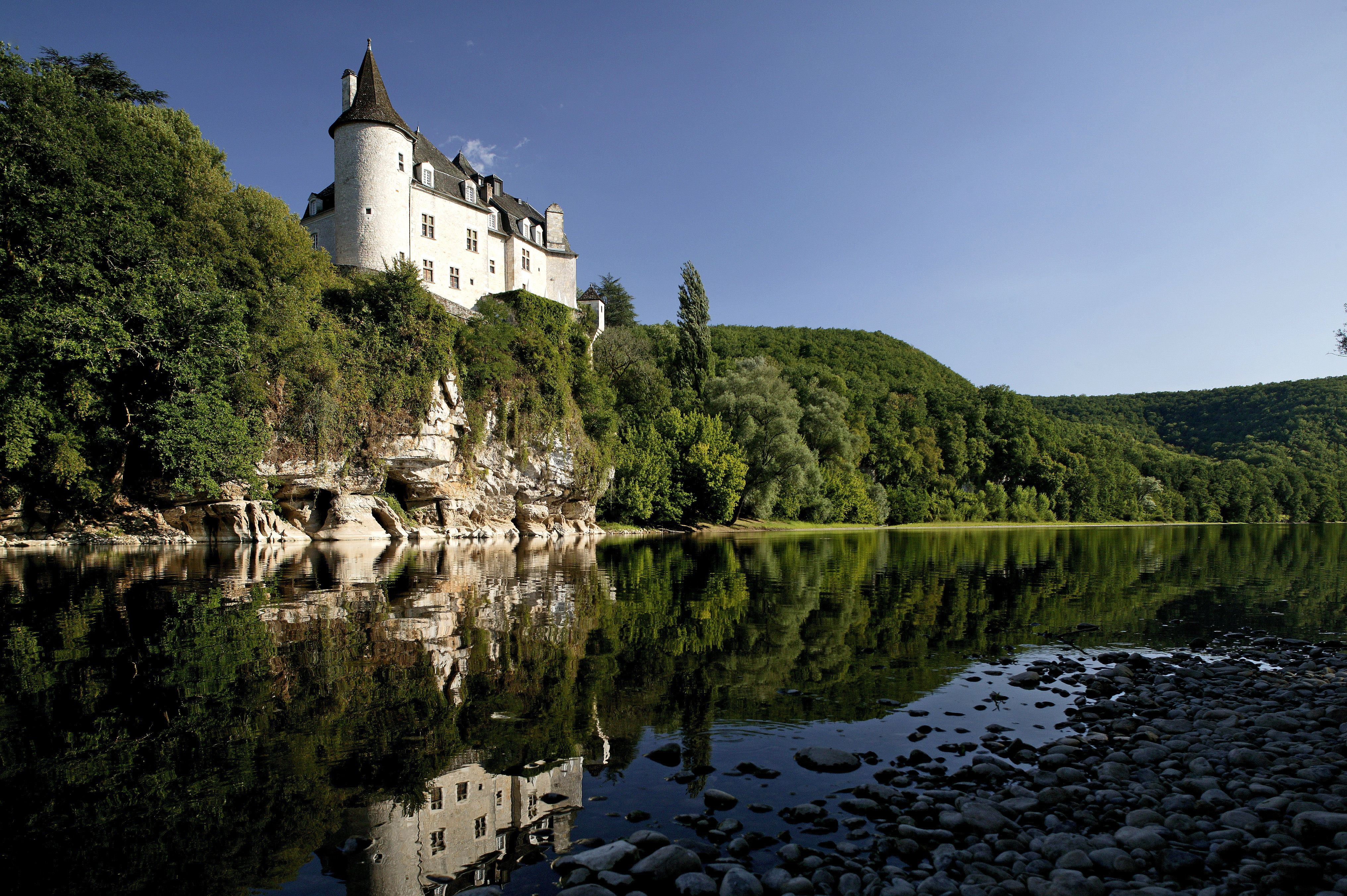 Lodging in France from Hotels to Bed and Breakfast