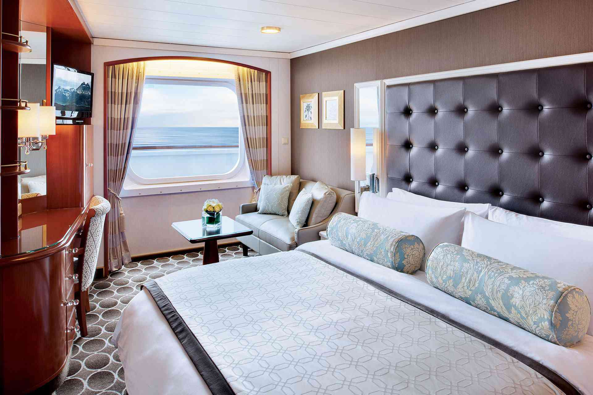 Deluxe Stateroom Crystal Serenity