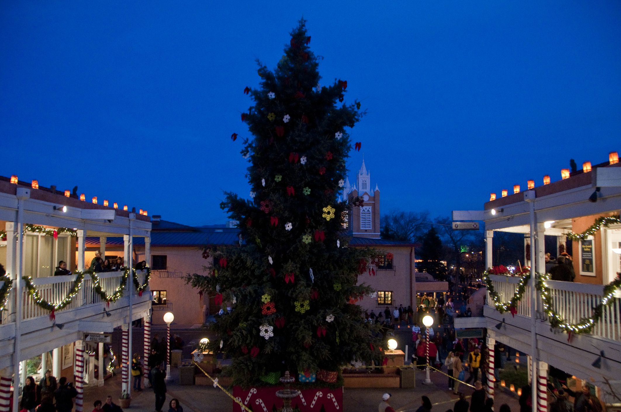 dining out in albuquerque on christmas eve and day