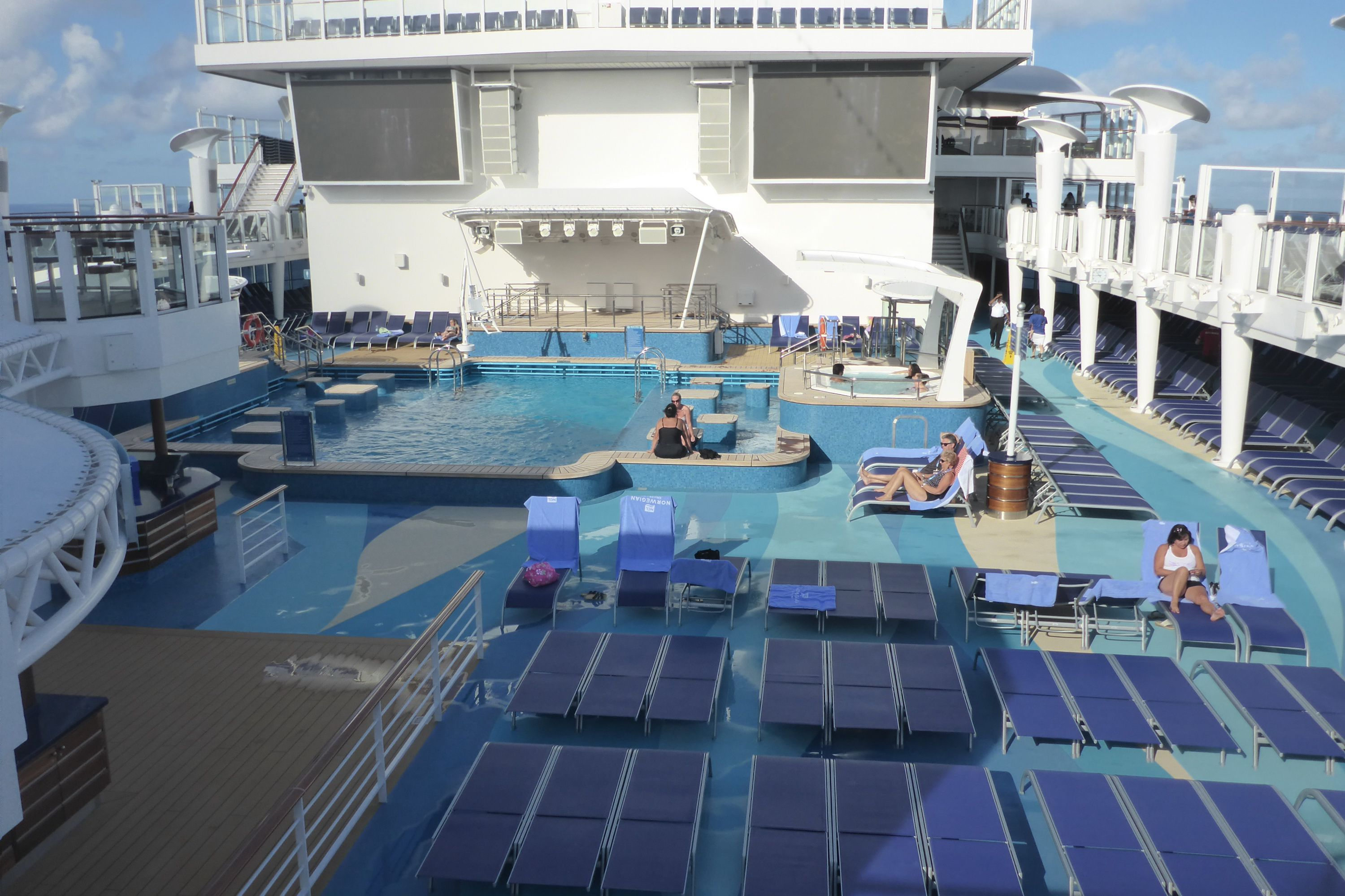 Pool Deck on the Norwegian Escape