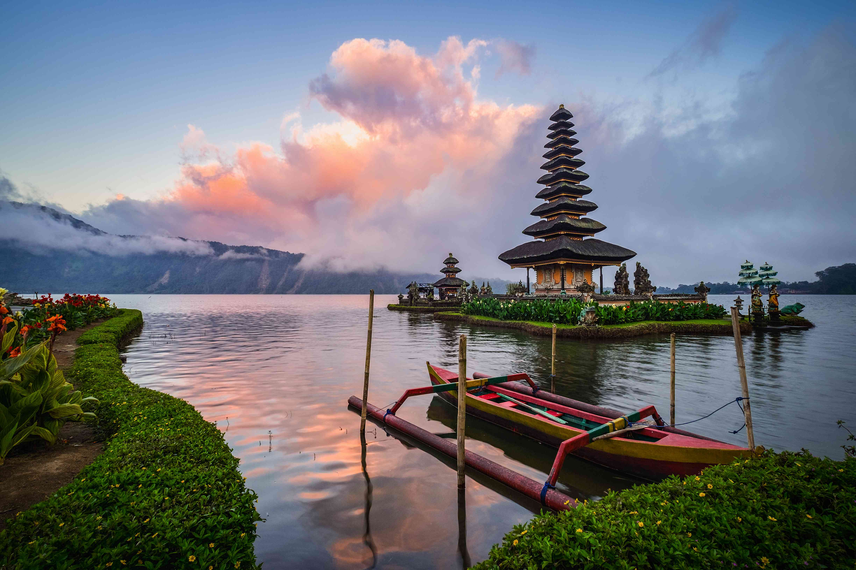 Peaceful lake and temple at Bedugul, Bali