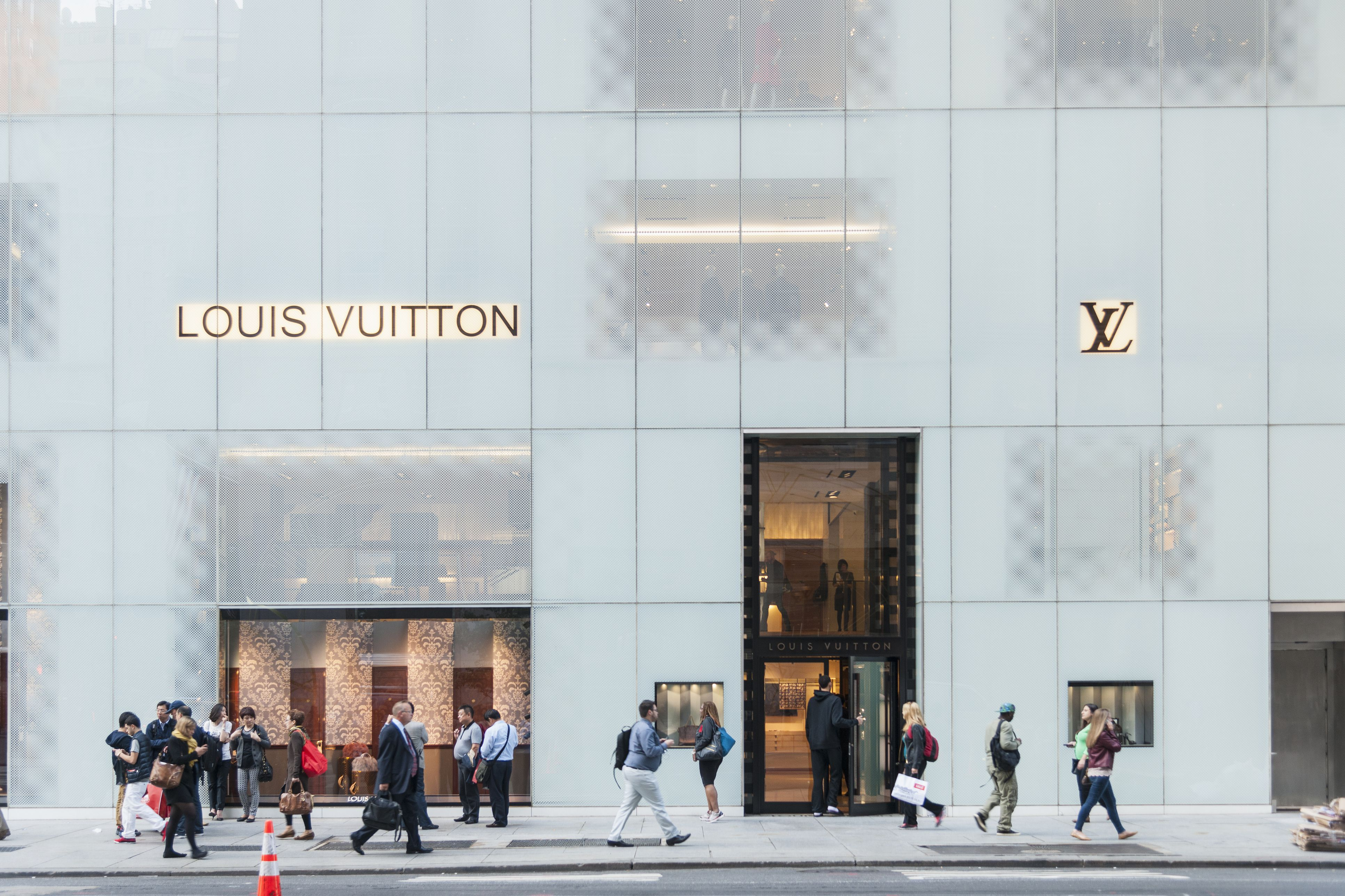 Louis Vuitton shop a lo largo de 5th Avenue