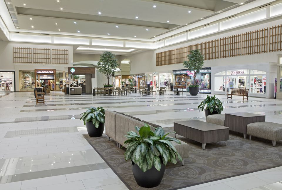Interior of Oxmoor Center