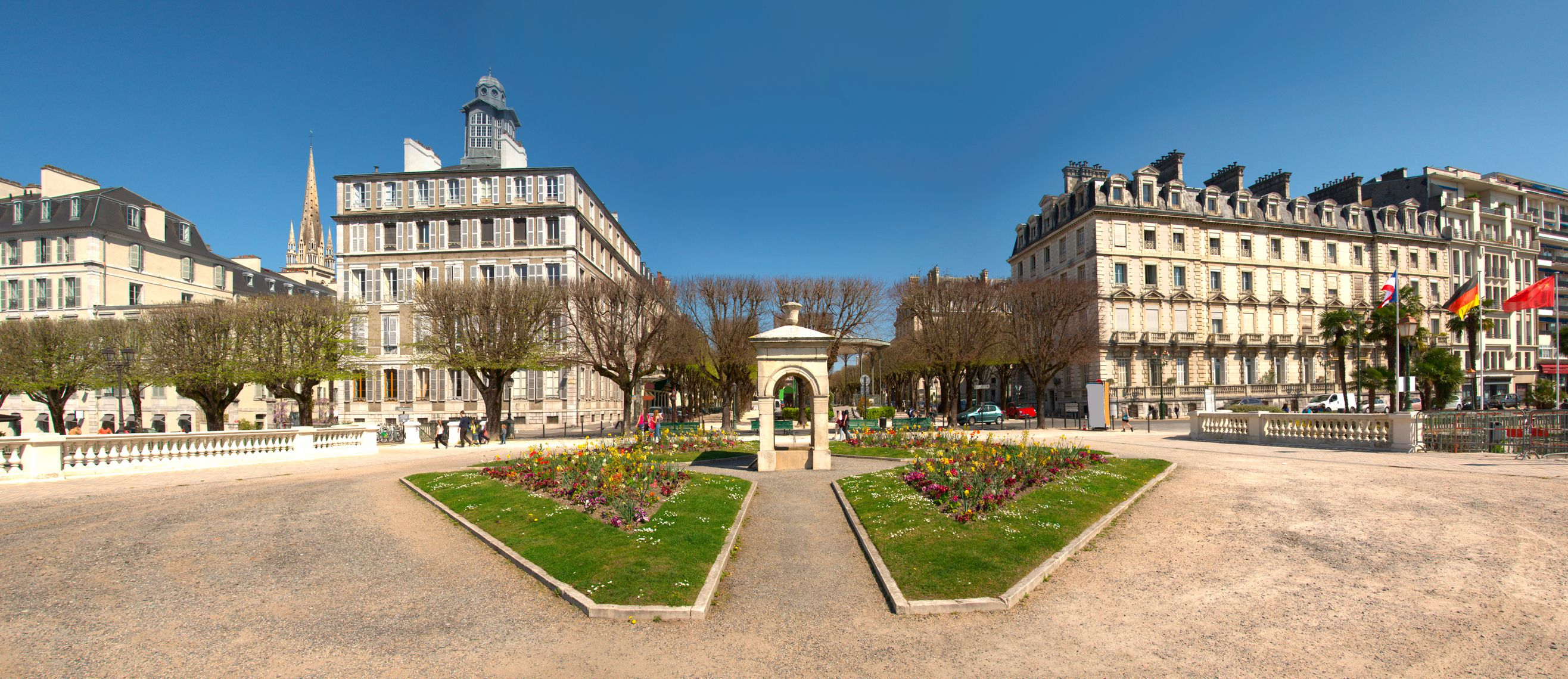 Hotels In Atlantic City >> Visiting Pau in the Pyrenees of Southern France