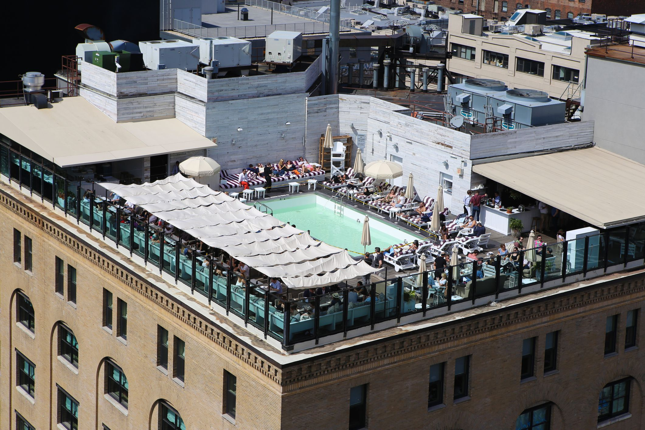 7 best hotel swimming pools in manhattan - Hotel new york swimming pool roof ...