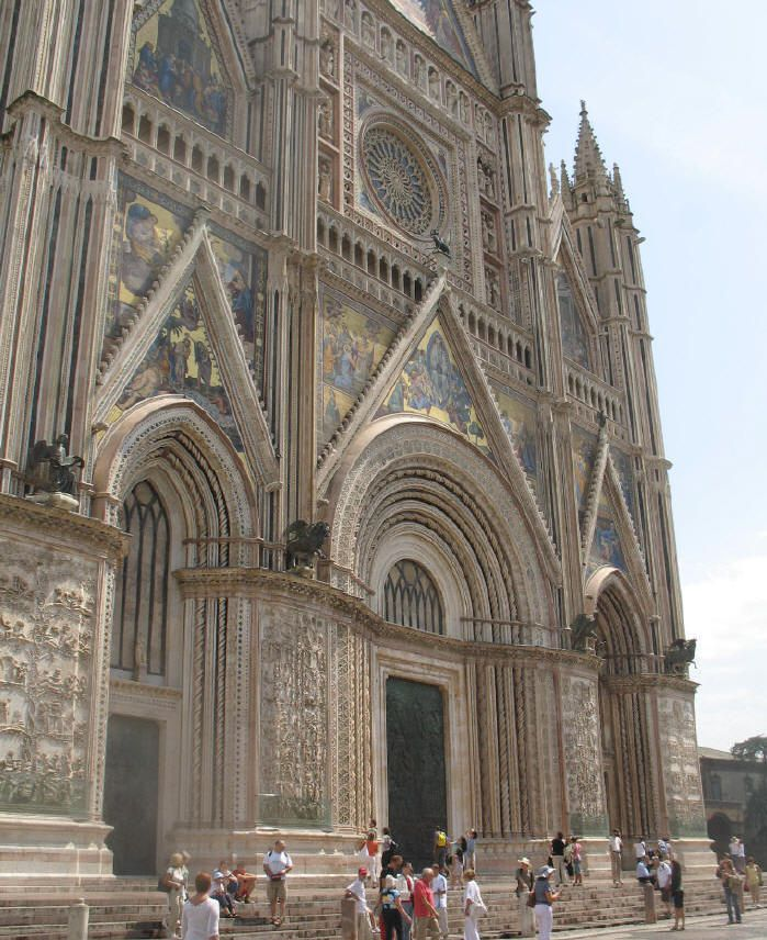 Orvieto cathedral, facade. Photo © Teresa Plowright.