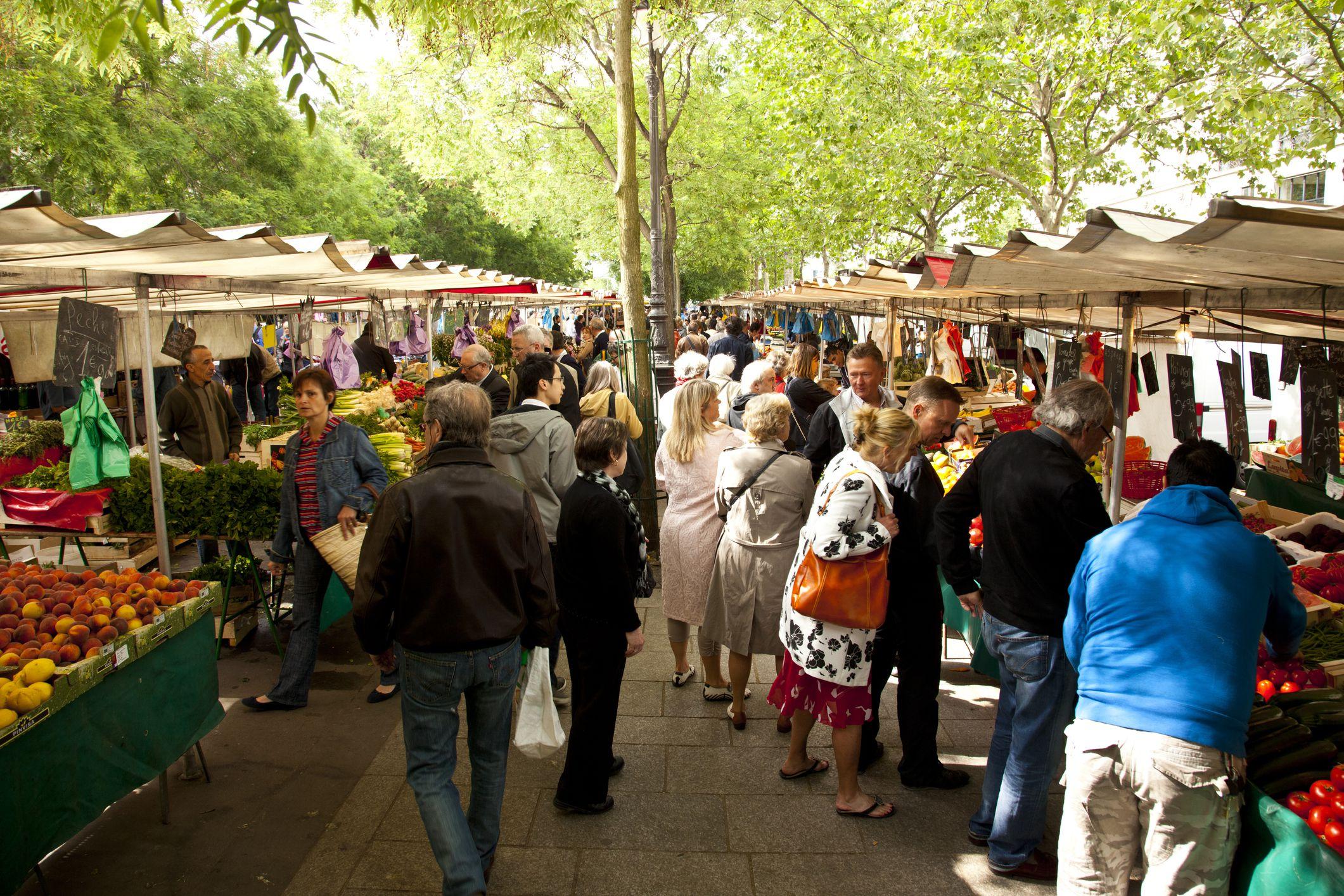 Sunday morning market in Place de la Bastille.