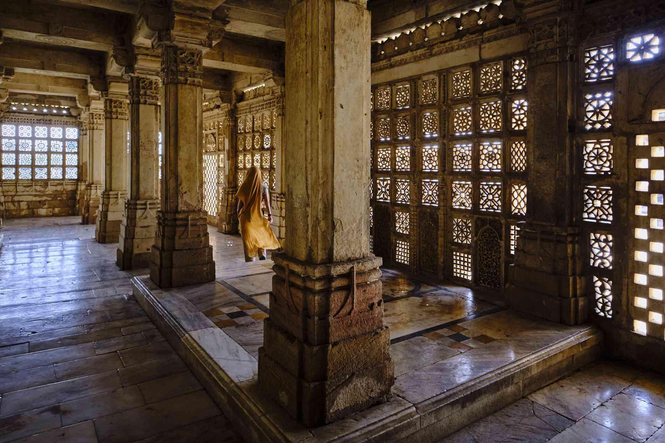 India, Gujarat, Ahmedabad, Sarkhej Roza tomb