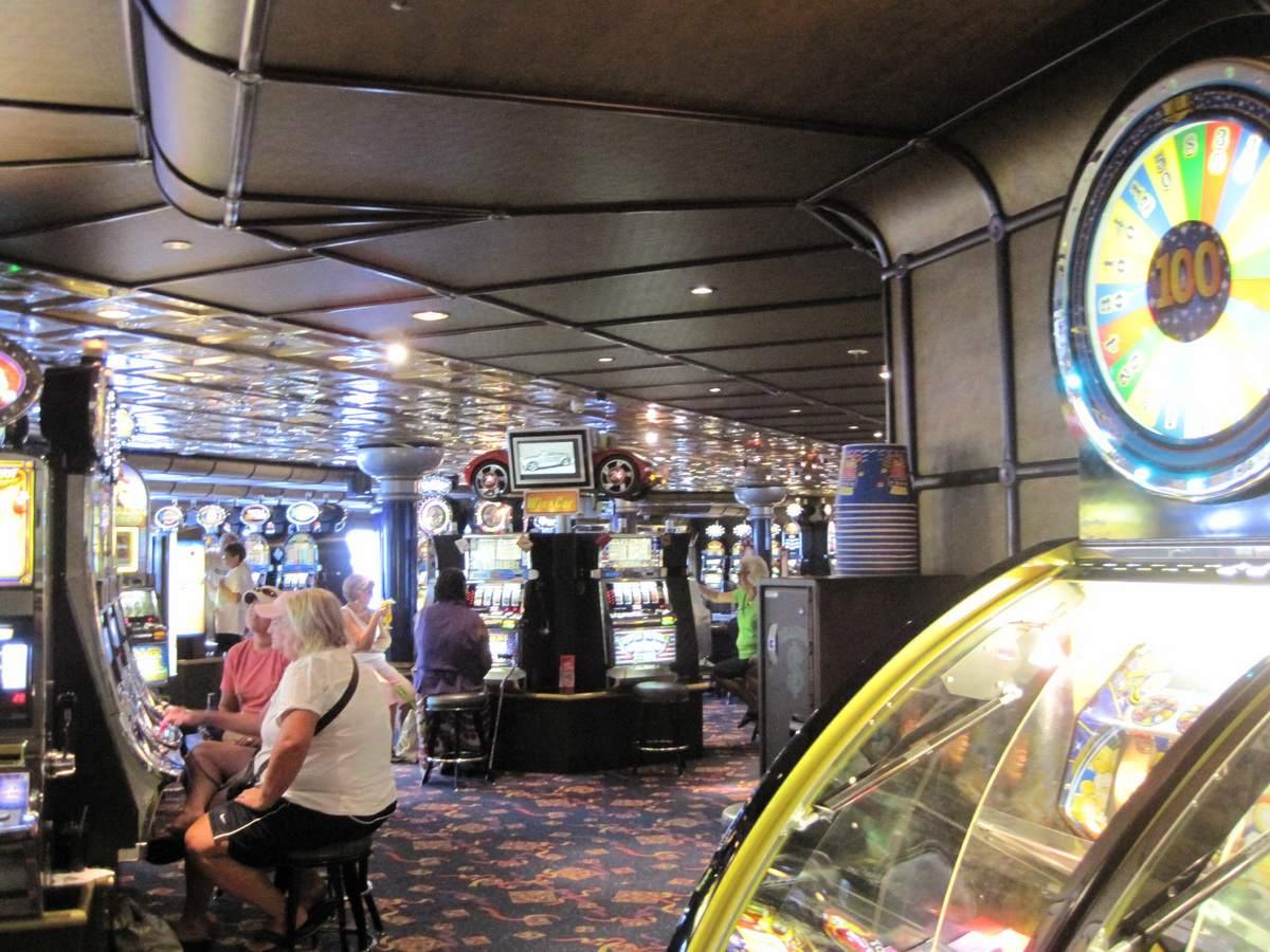 Carnival Fantasy - Club 21 Casino