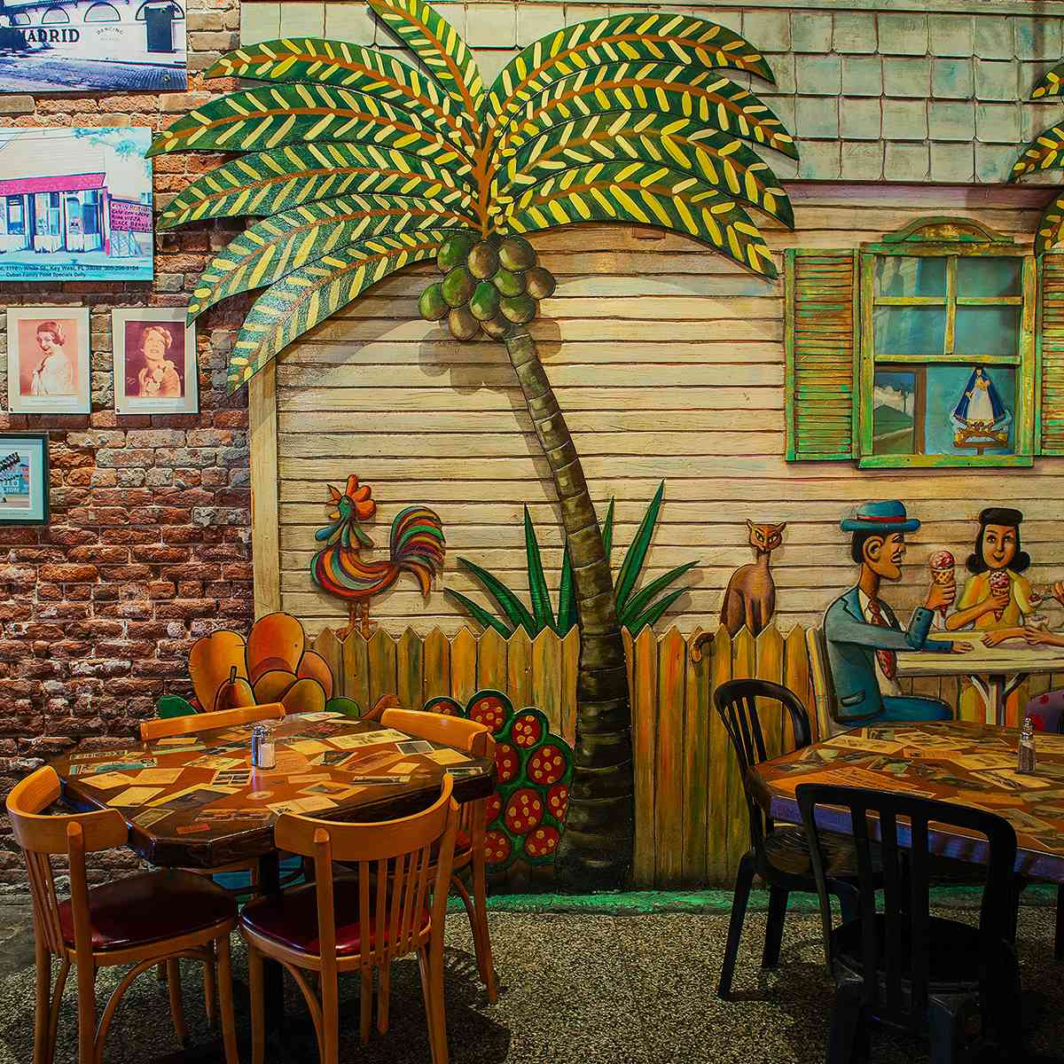 Patio seating at El Meson De Pepe