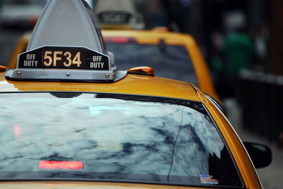 Do you know how to protect yourself against common taxi scams? Before you hail your next cab, read these tips first.