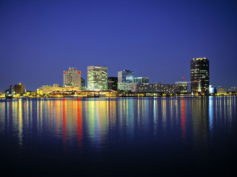 Norfolk, Virginia skyline at night