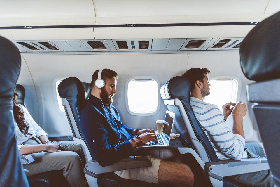 pasajeros en avión