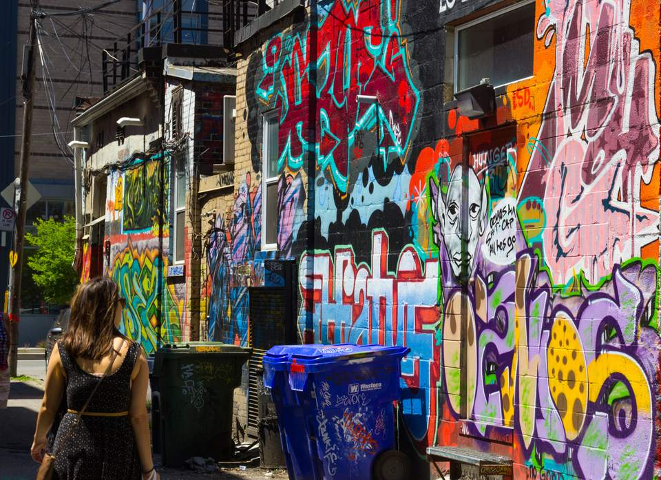 graffiti-alley