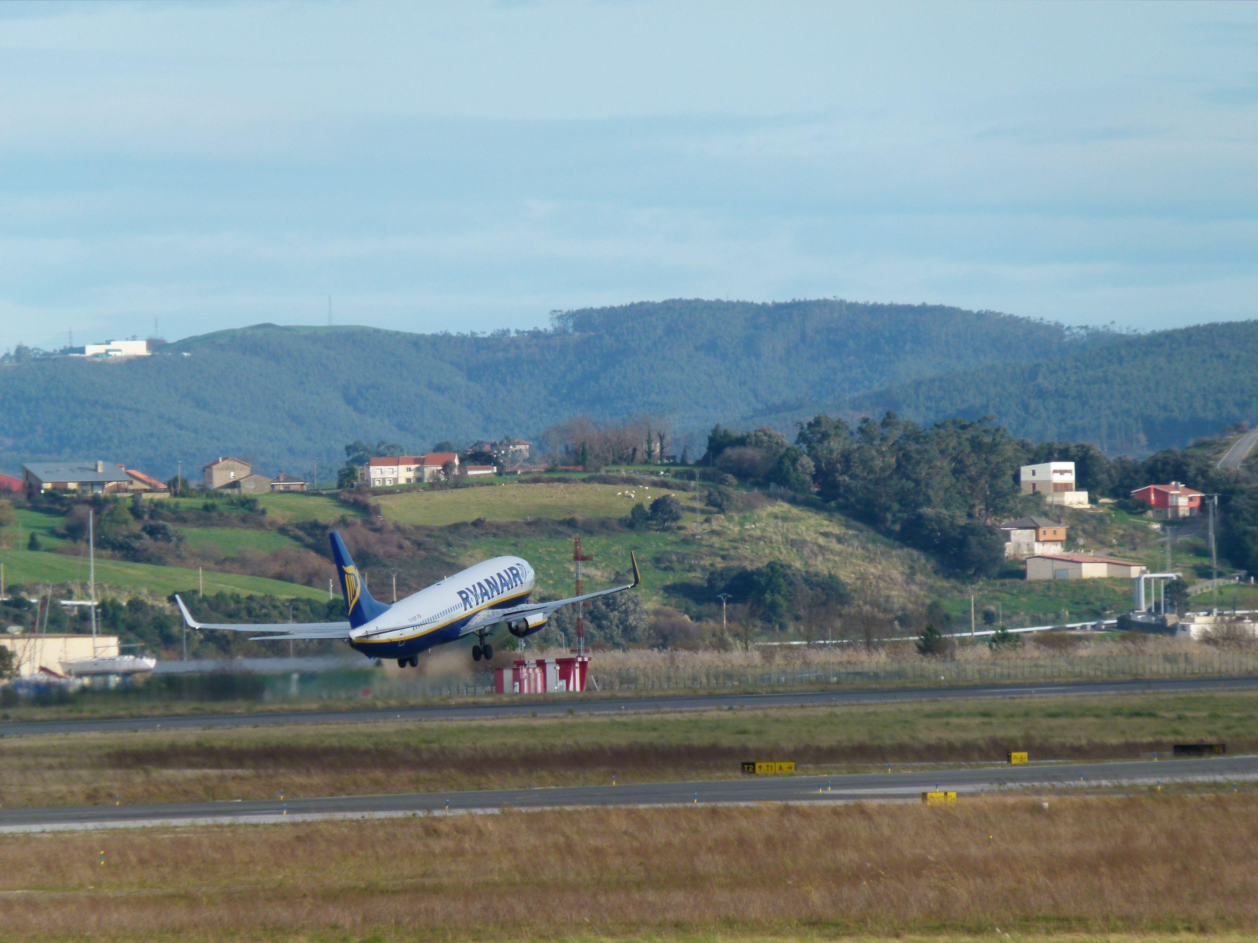 Ryanair airplane departing