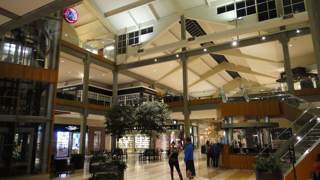 Bellevue Square Mall >> From Upscale To Everyday Shopping In Bellevue