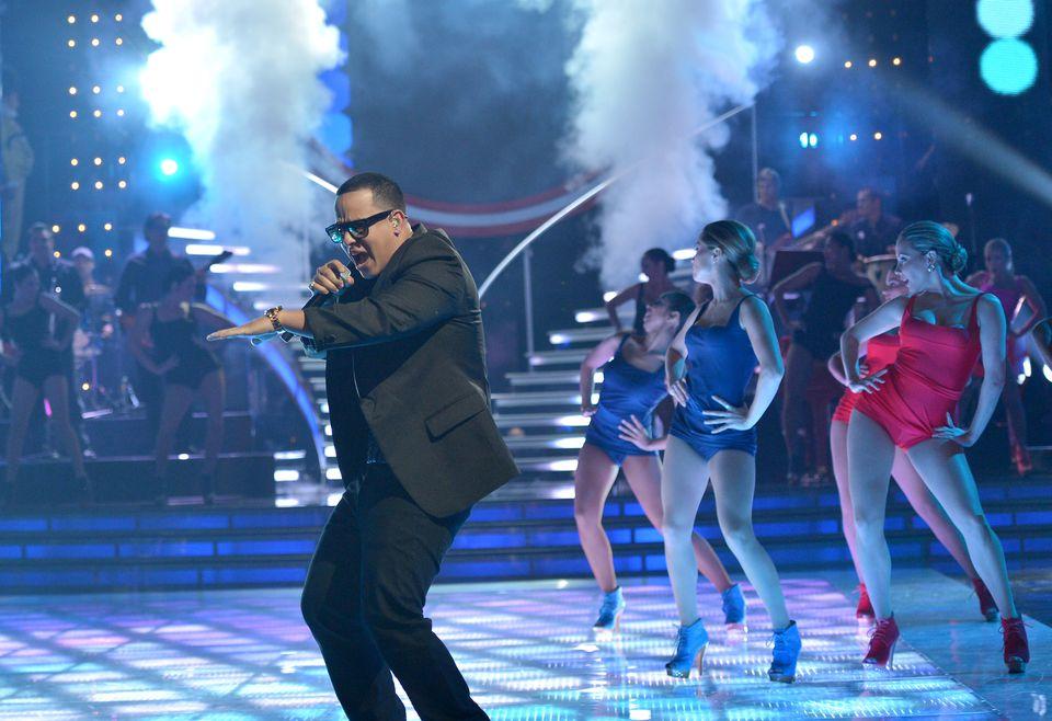 Univision's Mira Quien Baila Premiere