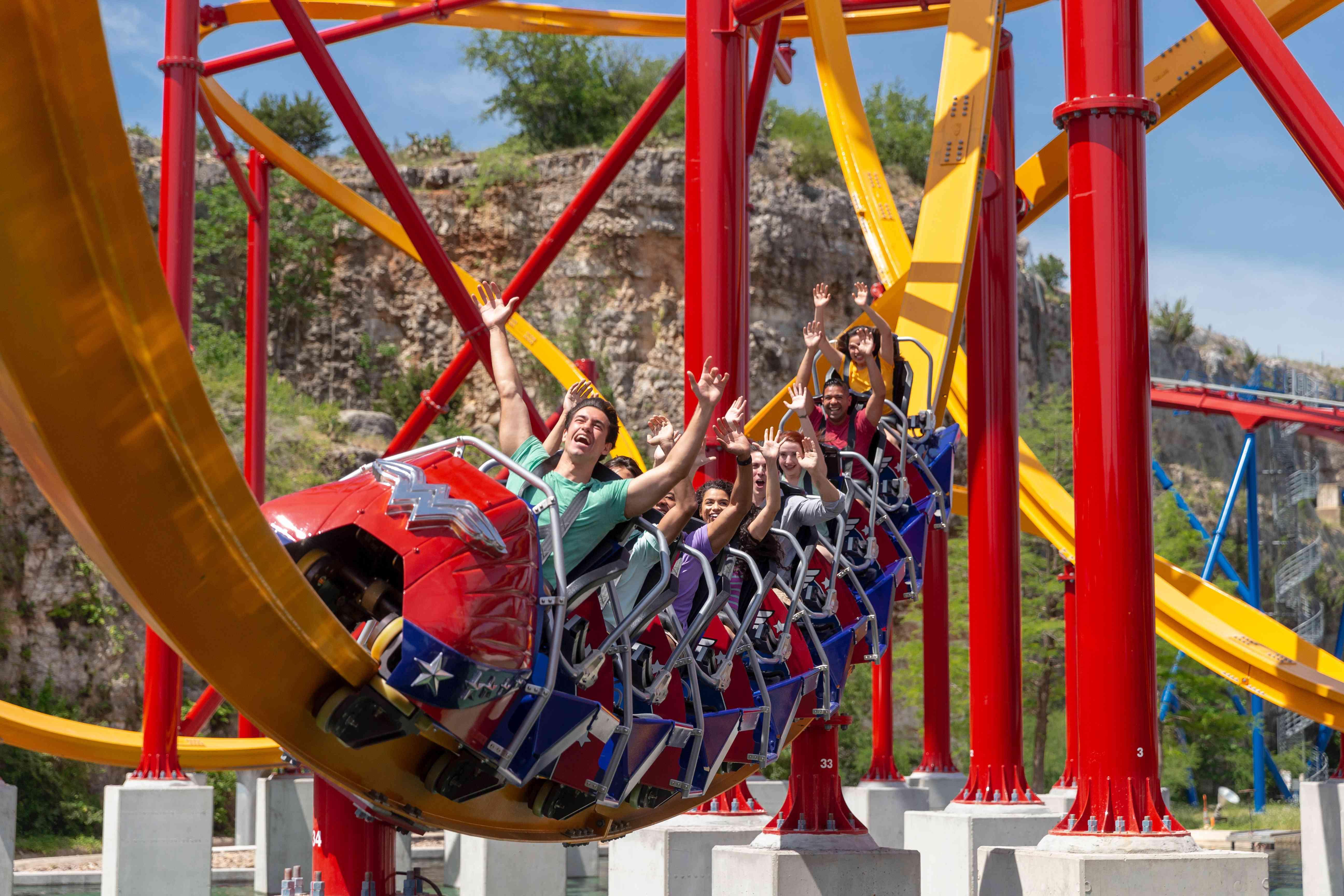 Wonder Woman coaster Six Flags Fiesta Texas