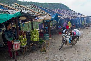 Food Stalls at Thung Khe Pass, Mai Chau, Vietnam