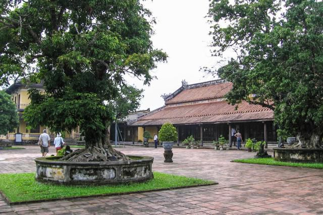 Walking Tour of Hue Citadel, Hue, Vietnam