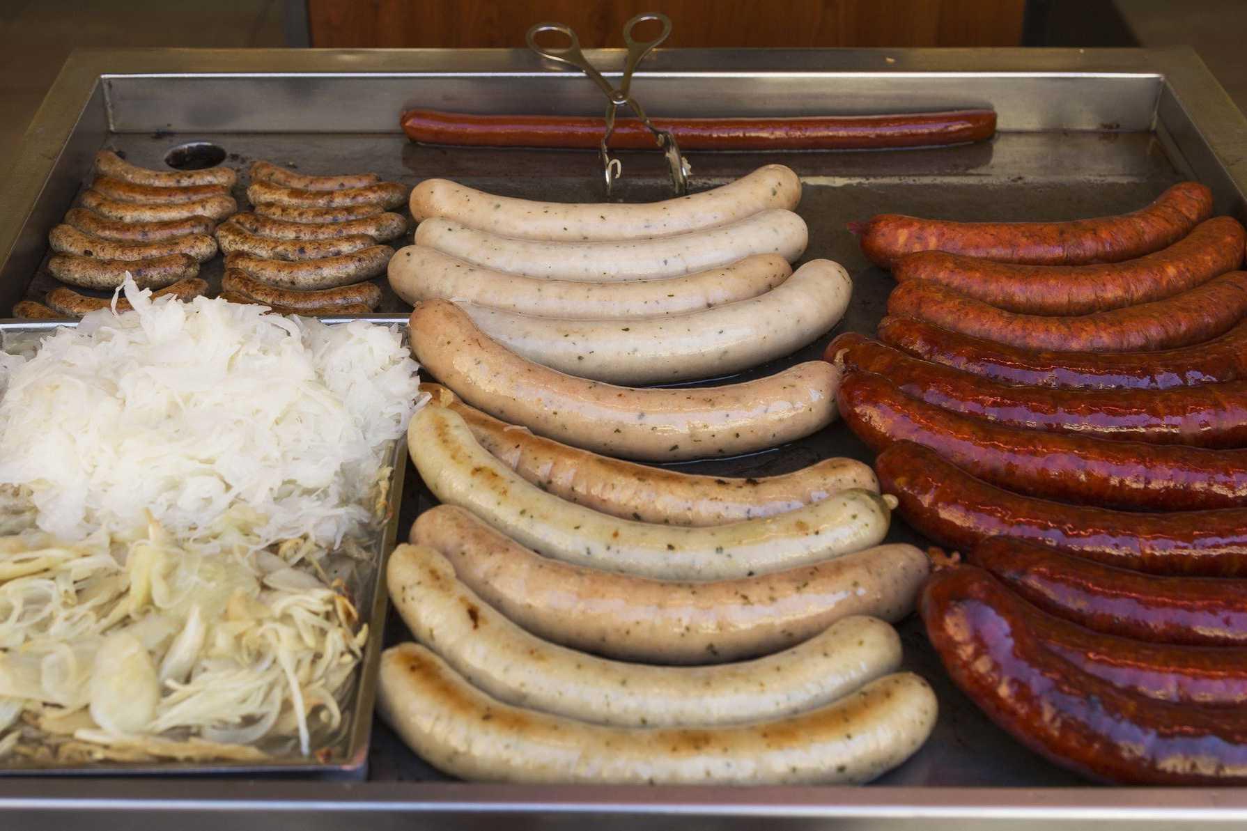 Sausages and sauerkraut of Prague
