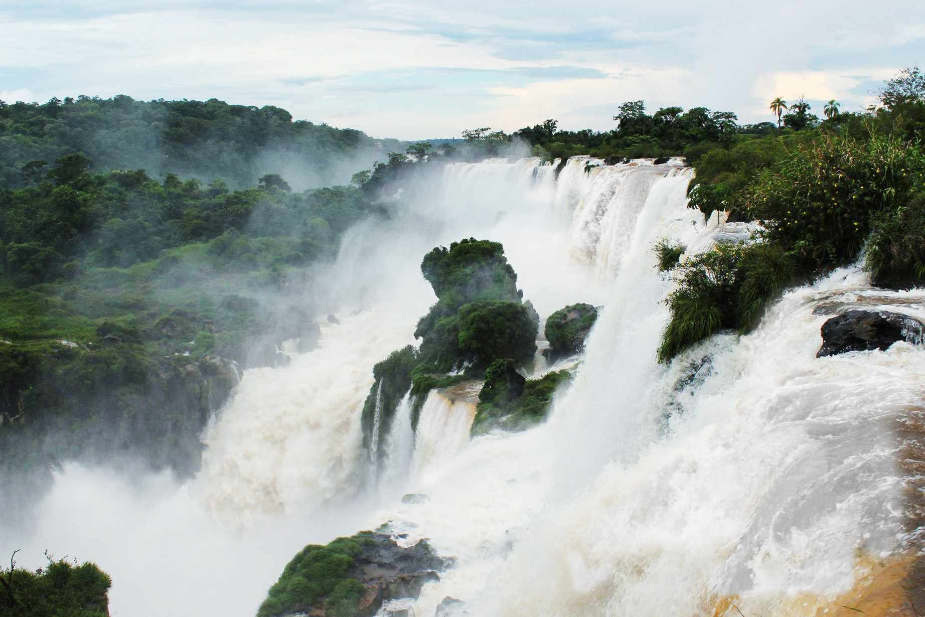 view of Igazu falls from the top