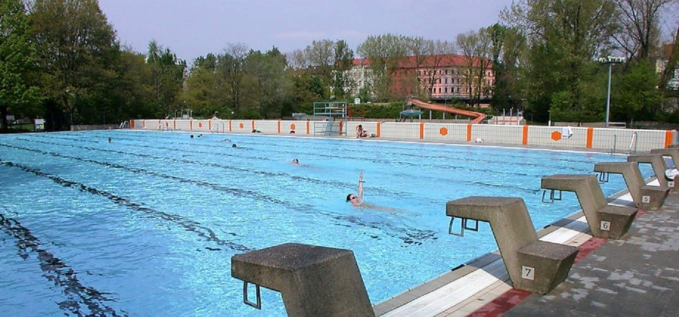 6 Best Outdoor Pools in Berlin
