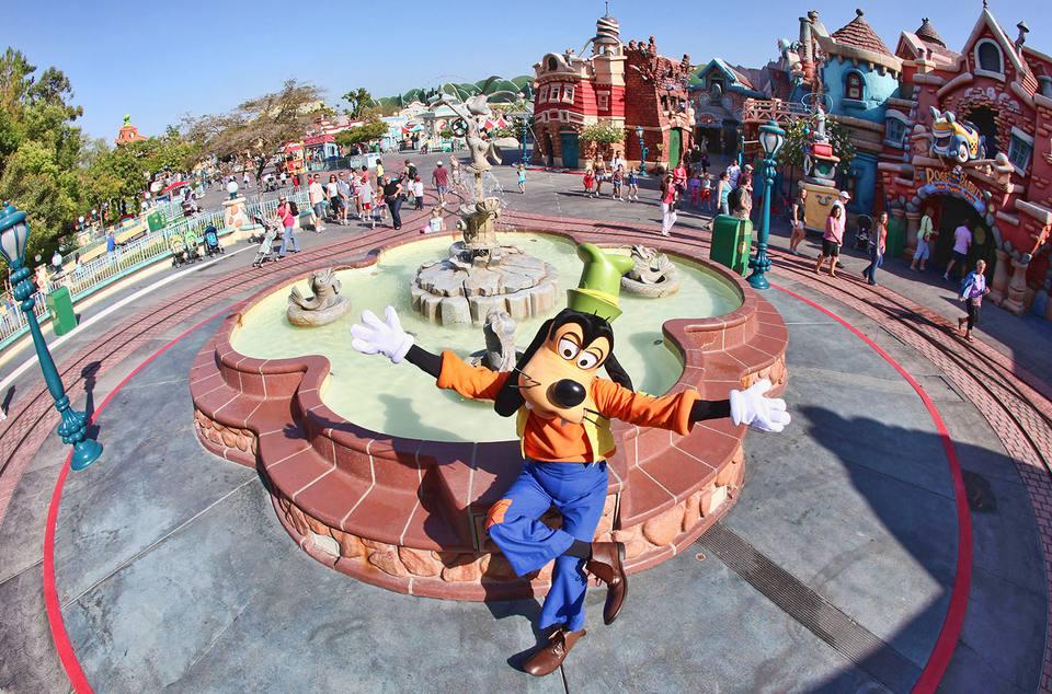 Goofy in Disneyland's Toontown