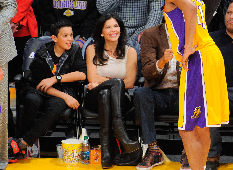 Celebridades en un juego de los Lakers