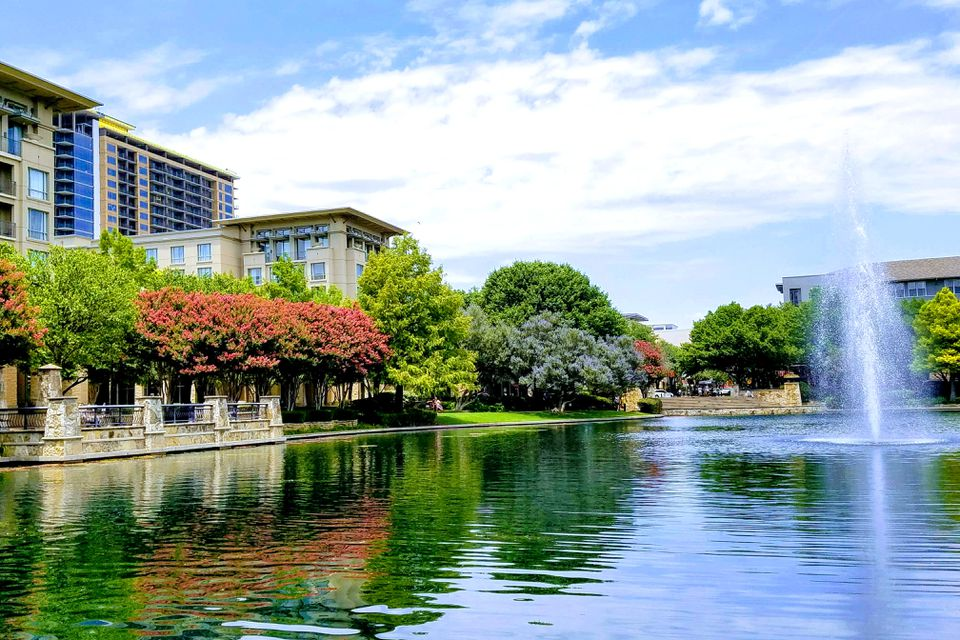 Beautiful Plano Texas, full of lush trees, sparkling waters, and impressive architecture