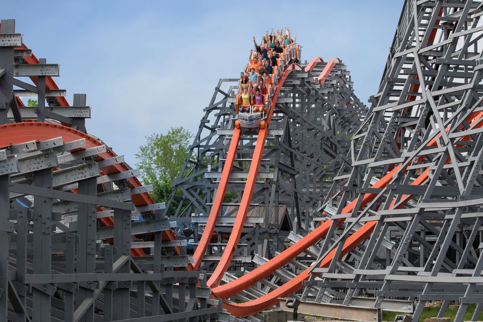 Six Flags New England Parking and Travel Tips