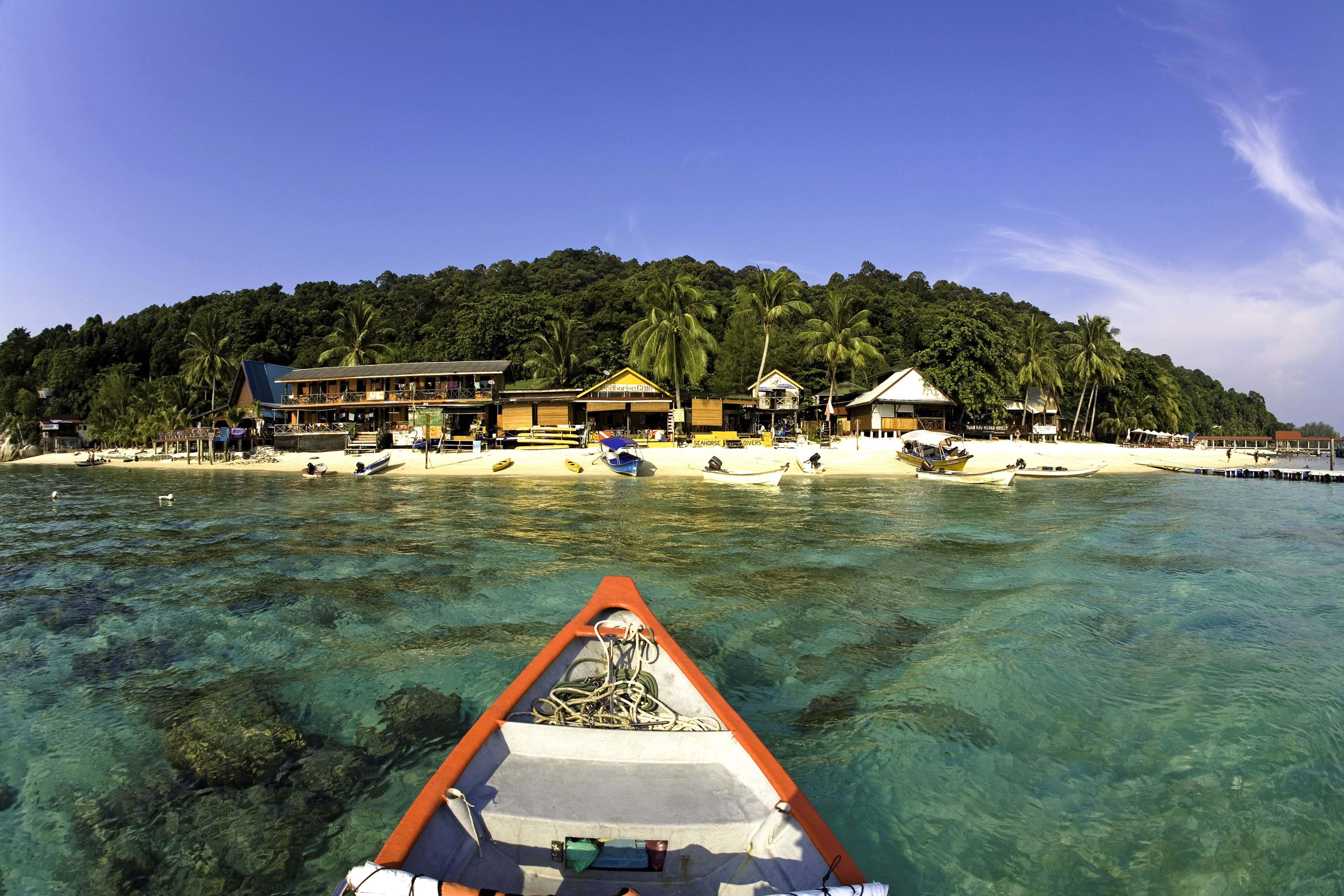Boat arriving at Perhentian Besar island in Malaysia
