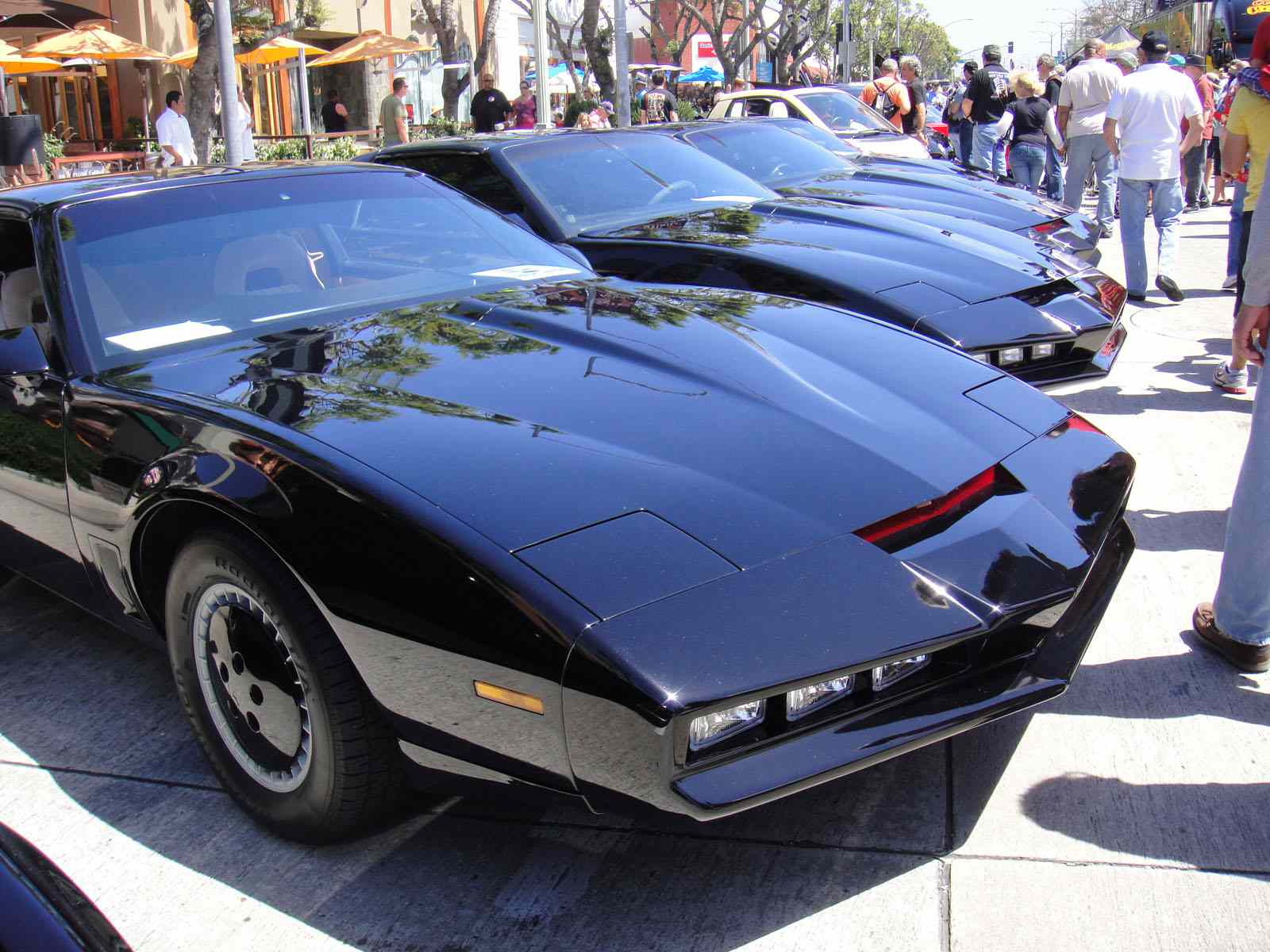 Annual Car Shows in Los Angeles