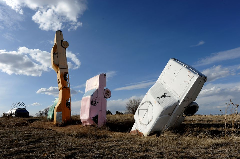 CAR HENGE! - A version of Stonehenge made from cars