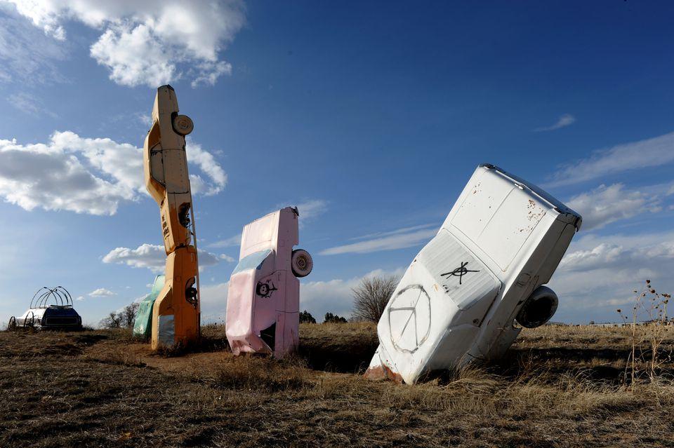 COCHE HENGE! - Una versión de Stonehenge hecha de automóviles