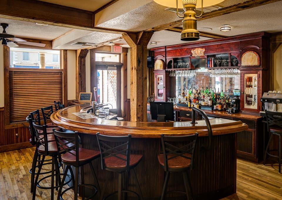 Hays House Restaurant bar