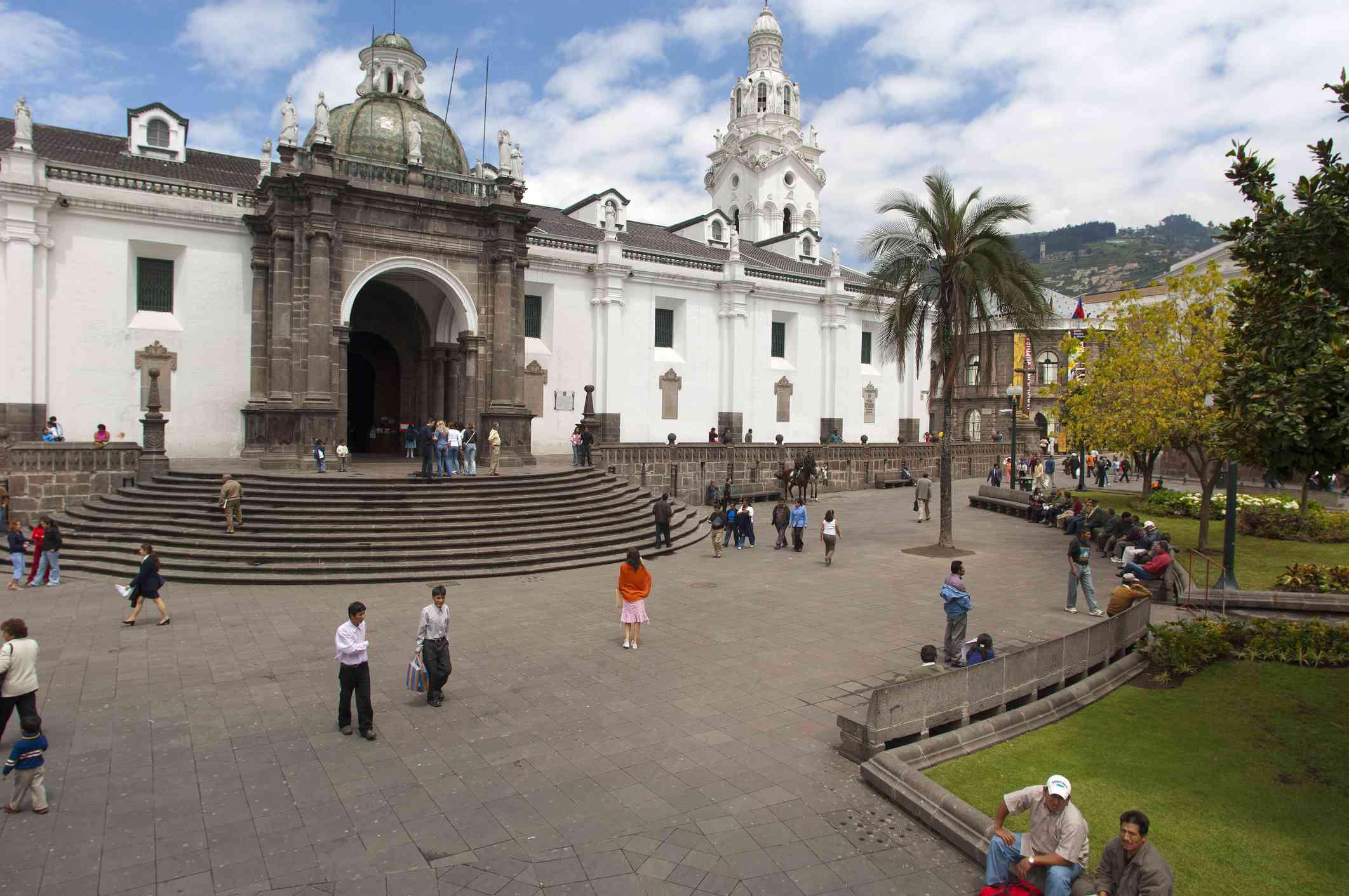 Placa (square) de la Independencia, the Cathedral