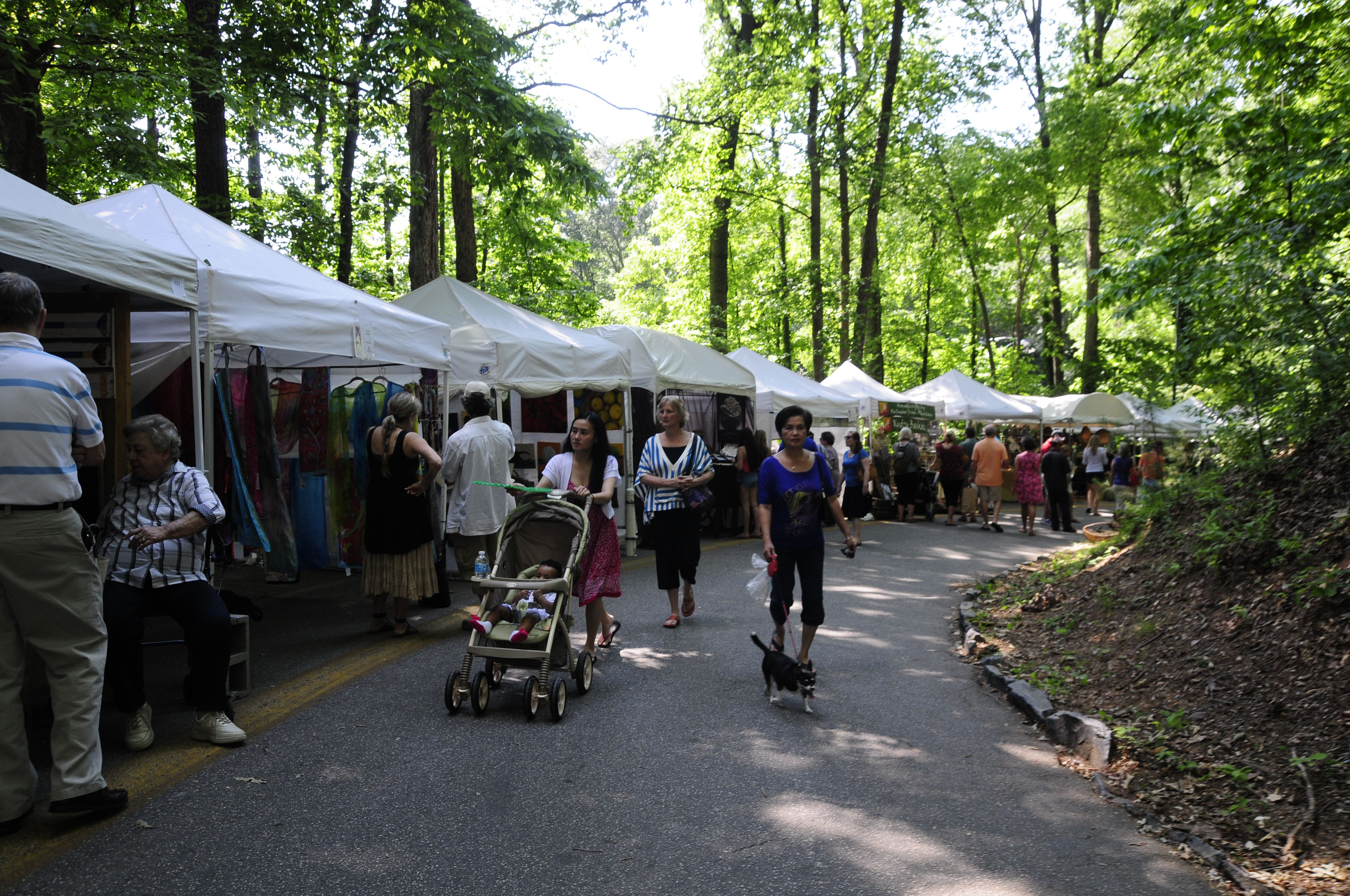 Chastain Park Spring Arts & Crafts Festival.JPG