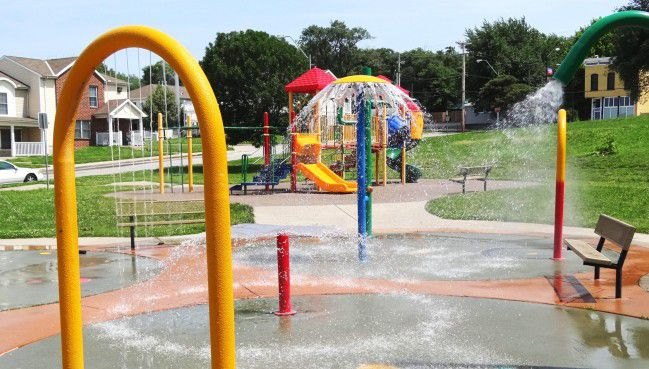 Best Water Parks And Pools For Swimming In Kansas City