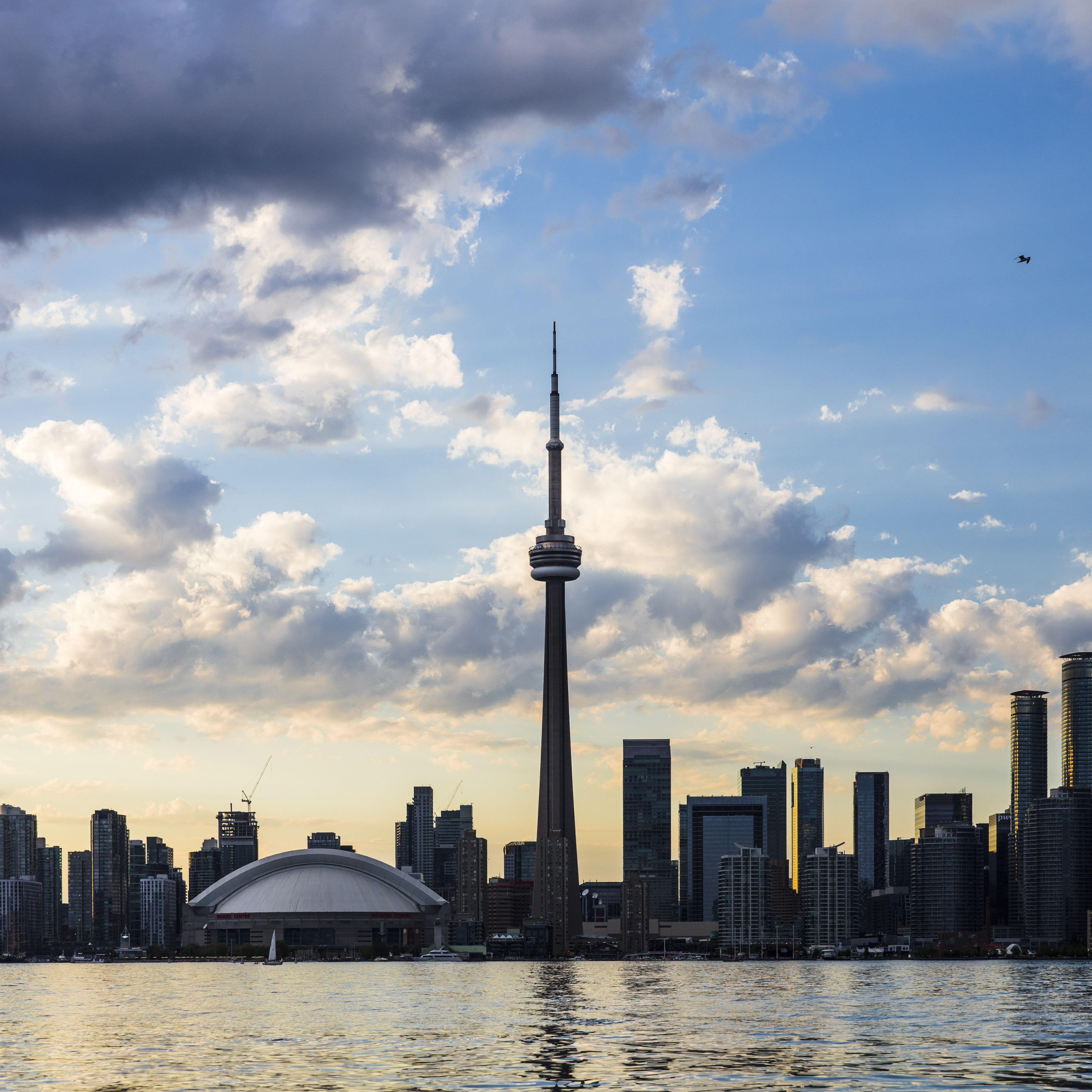 17 Fascinating Facts About Toronto S Cn Tower