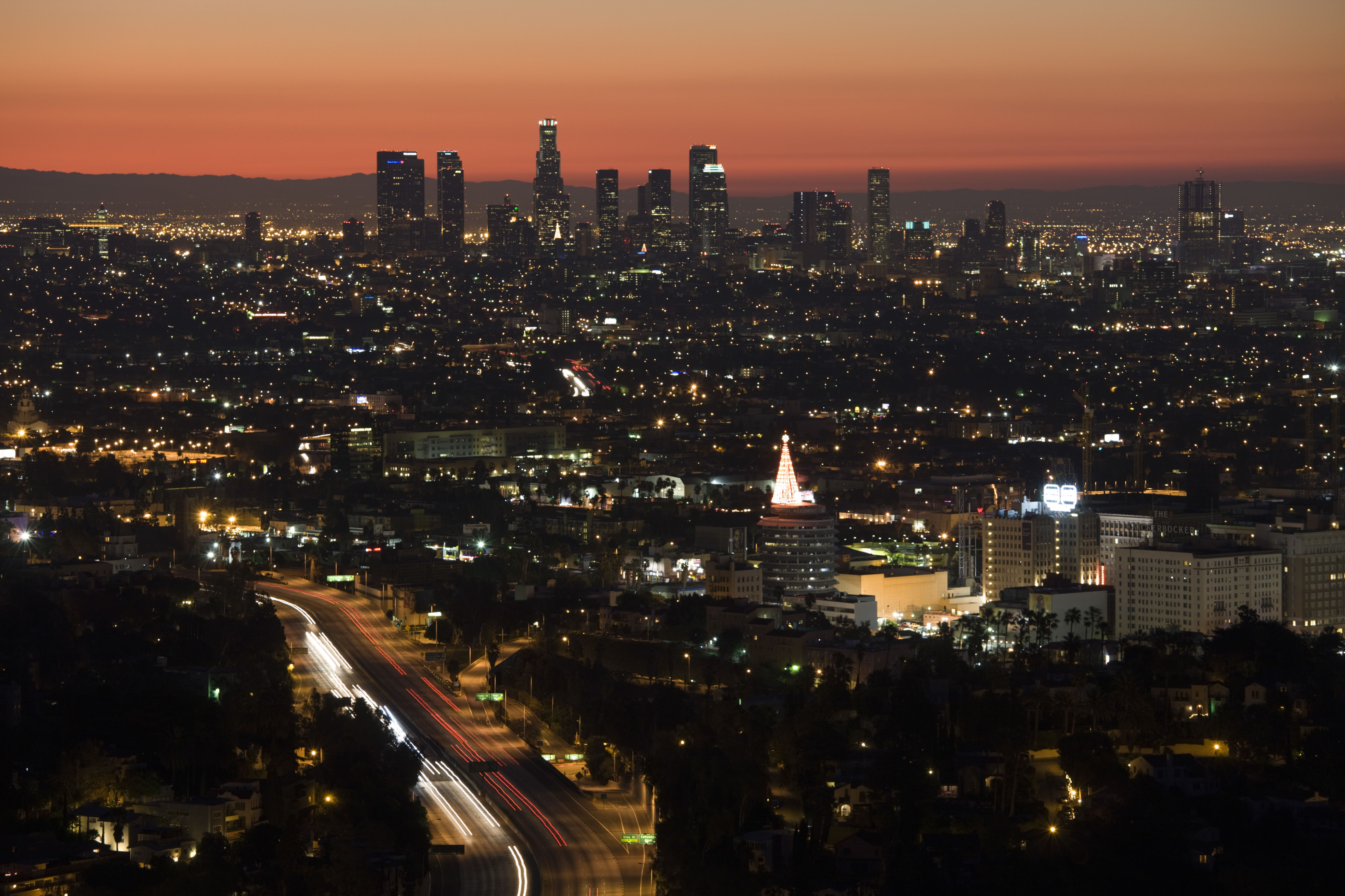 USA, California, Los Angeles, Downtown and Hollywood Freeway 101 from Hollywood Bowl Overlook, dawn