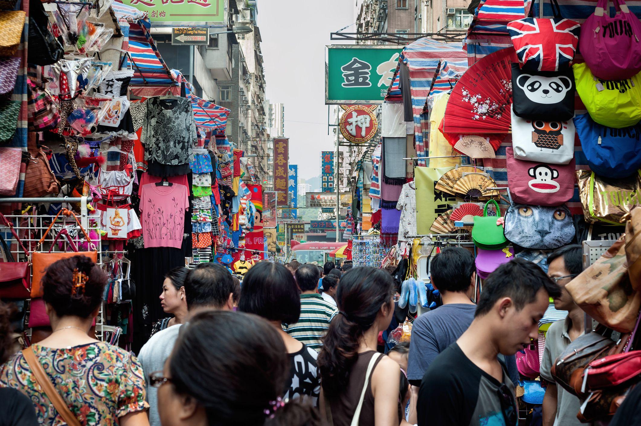 Crowds at the Mongkok Market