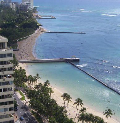 Waikiki beach. Photo © Teresa Plowright.