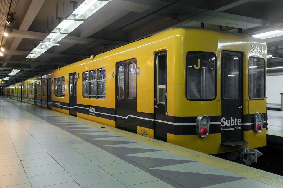 Subte Metro train