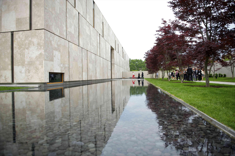 Exterior of Barnes Foundation