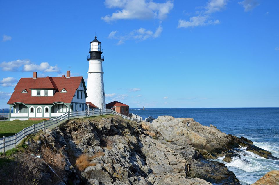5 Lighthouses To See Near Portland Maine